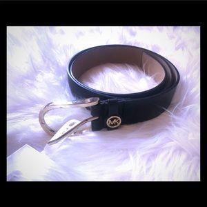 NWT black leather MK belt